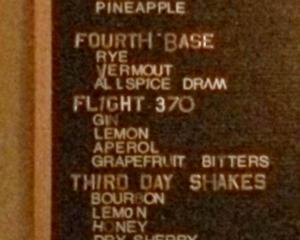 "Un bar american serveste bautura alcoolica ""Flight 370"" de 13 dolari"