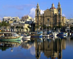 Malta este sau nu urmatoarea tara care are nevoie de ajutor financiar de la FMI si UE?
