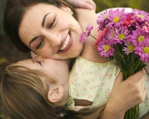 Solutia pentru un mod de lucru flexibil care sa pastreze mamele care revin la serviciu din concediul de maternitate