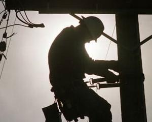 Ernst & Young: Top 10 riscuri si oportunitati pentru companiile de energie si utilitati in 2013
