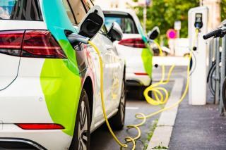 Caracteristicile unui contract de leasing pentru masini electrice