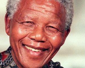 Rudele lui Nelson Mandela se lupta pentru mostenire