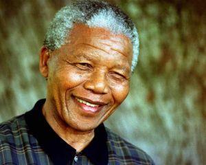 11 februarie 1990:  Nelson Mandela este eliberat din inchisoare