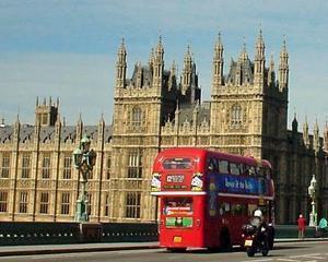 Marea Britanie: Romanii si bulgarii vor plati mai multe taxe decat englezii