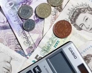 Marea Britanie: Directorii castiga de 120 de ori mai mult decat angajatii lor