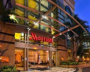 Arest la domiciliu la ... Marriott