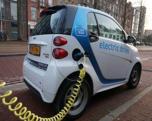 Pazea ca te calca masina electrica!