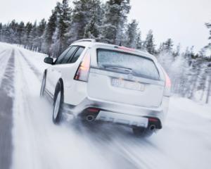 Ce trebuie sa stii inainte sa inchiriezi o masina in sezonul rece