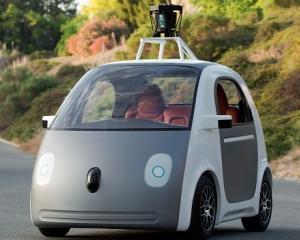 Masinile autonome de la Google nu pot circula pe timp de ploaie