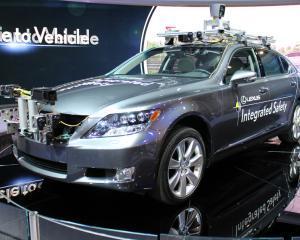 Paranoia masinilor fara sofer cuprinde autoritatile americane
