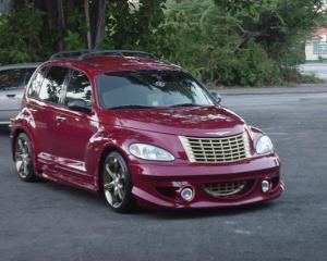 De Black Friday, un dealer auto din SUA vinde masini uzate cu UN DOLAR