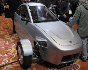 Masina cu trei roti va fi lansata in SUA incepand cu 2015, la pretul de 6.800 dolari