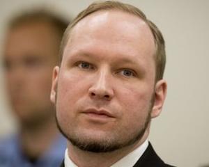 Criminalul Breivik vrea sa revina pe bancile scolii