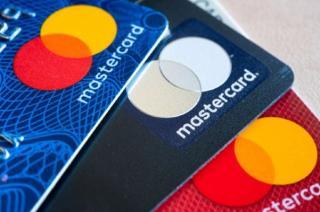 Anuntul zilei pentru toti romanii care au carduri Mastercard: ce se schimba, incepand de astazi