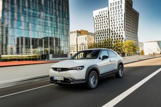 Mazda MX-30, SUV-ul electric urban, disponibil in Romania