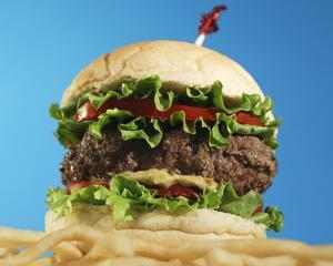 McDonald's isi trimite angajatii in concedii pe care acestia nu si le permit