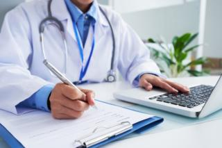 Ministrul Sanatatii: Medicii care refuza sa se vaccineze se vor testa pe banii lor