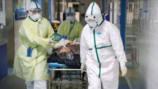 Mii de cadre medicale au fost suspendate de la munca, pentru ca au refuzat sa se vaccineze. Totul se intampla in Franta