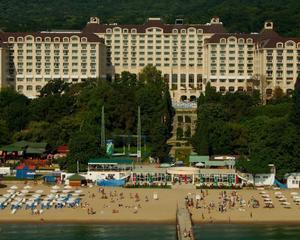 Diferente: Turistii din Estul Europei vor sa se distreze, cei din Vest se uita la pret