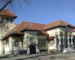 Un conac neo-romanesc, scos la vanzare pe Mercador.ro pentru cinci milioane de euro