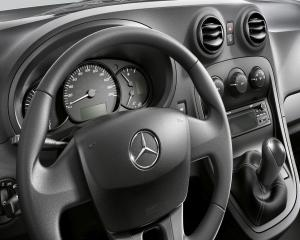 Pizza Hut va livra pizza cu noul Mercedes-Benz Citan