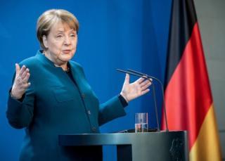 Merkel, liderul motorului economic al Europei: Vom continua sa pompam bani ca sa depasim criza, pentru ca ne-am gestionat bine finantele in ultimii ani