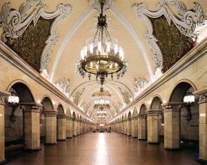 Trei morti si 50 de raniti in urma deraierii unui metrou la Moscova