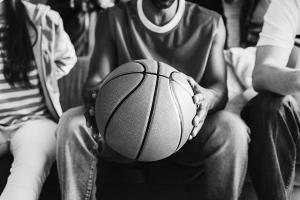 Cu o avere de 1,7 miliarde de dolari, Michael Jordan este cel mai bogat jucator din istoria NBA