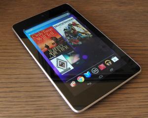 Microsoft va lansa pe piata tableta Surface Mini cu ecran mai mic