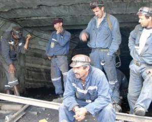 Minerii vor intra in somaj tehnic, incepand de anul viitor