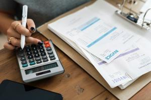 """Ministerul Finantelor ia in calcul implementarea unui sistem electronic de facturare care sa impiedice fraudele de tip """"carusel"""""""
