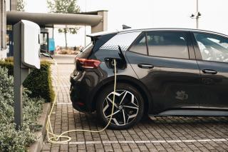"""Mit spulberat: Masinile electrice sunt mult mai """"curate"""" decat masinile diesel sau pe benzina"""