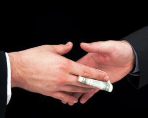 Coruptia, mai scazuta in Romania decat in Europa de Est