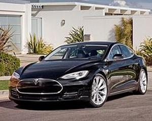 """Averea lui Elon Musk a crescut cu 570 de milioane de dolari, """"electrizata"""" de masinile pe care le creeaza"""