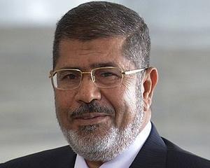Presedintele Mohamed Morsi, pus in arest pentru presupuse legaturi cu Hamas
