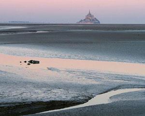 Cea mai mare maree a secolului la Mont St.Michel