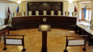 Liberalii au atacat la CCR motiunea de cenzura depusa de PSD si cer social-democratilor sa nu voteze pana cand magistratii nu se pronunta