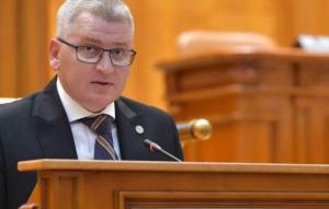 Liderul deputatilor PNL: Motiunea a fost scrisa de Vasile, portarul de la sediul PSD