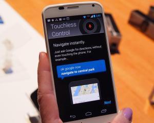 Google trebuie sa-si arate talentul la vanzari, cu noul Moto X
