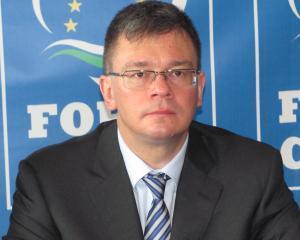Mihai-Razvan Ungureanu: Orice marire de salariu, o taxa in plus pentru privati