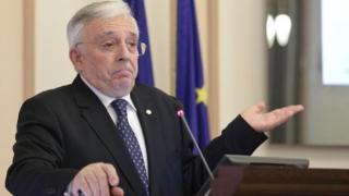 Mugur Isarescu: Sectorul guvernamental creeaza deficitul extern in totalitate. E in surplus