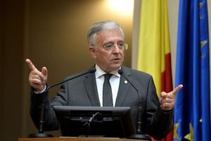 Mugur Isarescu: Majorarea impozitelor ar putea accentua deficitul bugetar