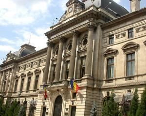 Mugur Isarescu va candida pentru un nou mandat la BNR