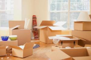 O provocare in mutarile de mobila: apartamentul ticsit care trebuie golit si mutat intr-o singura zi