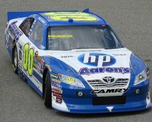 NASCAR ambaleaza motoarele alaturi de HP