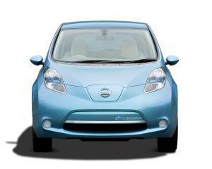 Nissan a produs 100.000 de automobile Leaf