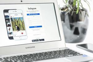 Noi probleme de securitate la Facebook - parolele a milioane de conturi Instagram nu au fost criptate
