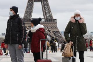 Restrictii inasprite in Europa: Marea Britanie, Olanda, Italia, Franta intaresc masurile pentru a incetini raspandirea infectiilor