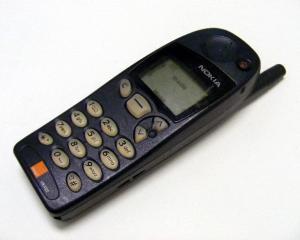 Nokia domina piata de telefoane mobile din Emirate, dar cota sa de piata scade pe zi ce trece