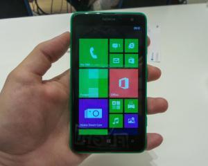 Lumia 625, cel mai mare telefon al Nokia care are Windows Phone